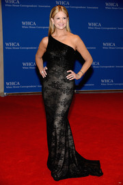 Nancy O'Dell looked flawless in a black lace one-shoulder gown during the White House Correspondents' Association Dinner.