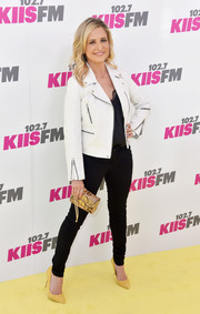 Sarah Michelle Gellar layered a white Rag & Bone leather jacket over a black cami for KIIS FM's Wango Tango 2017.