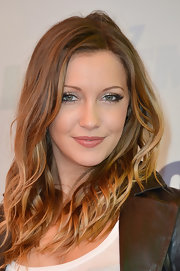 Katie Cassidy's soft pink lipstick gave her a pretty feminine touch on the red carpet.