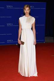 Karlie Kloss was all about simple sophistication in an ivory and champagne Derek Lam gown at the White House Correspondents' Association Dinner.