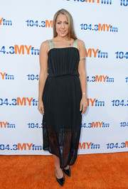 Colbie Caillat looked breezy in a lightweight LBD with a rise-fall hem during 104.3 MY FM's My Big Night Out.