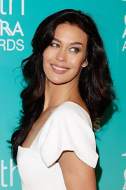 Megan Gale looked gorgeous at the ASTRA Awards wearing her long hair in high-volume waves.