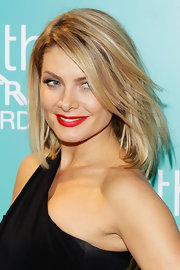 Natalie Bassingthwaighte was oozing with class with her lips painted red at the 10th Astra Awards.