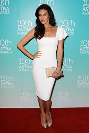 Megan Gale looked oh-so-lovely in a white one-shoulder dress at the ASTRA Awards.