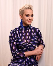 Katy Perry adorned her lobes with a pair of oversized blue Closer by WWAKE earrings for the 2019 DVF Awards.