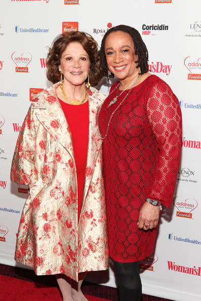 More Pics of Linda Lavin Evening Coat (1 of 4) - Linda Lavin Lookbook - StyleBistro