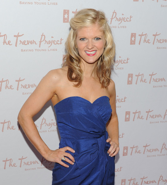 More Pics of Arden Myrin Medium Curls (4 of 5) - Arden Myrin Lookbook - StyleBistro