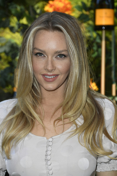 Camille Kostek was stylishly coiffed with this layered 'do at the 2019 Veuve Clicquot Polo Classic Los Angeles.