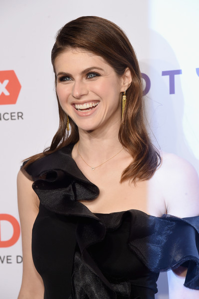 Alexandra Daddario styled her hair with soft waves for the DKMS Big Love Gala.