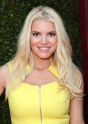 Jessica Simpson wore her hair in sexy tousled waves during the John Varvatos Stuart House Benefit.