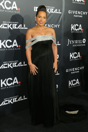 Alicia Keys looked stunning in a satin Givenchy Couture gown with silver straps for the 11th Annual Keep a Child Alive Black Ball.