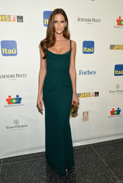 Izabel Goulart showed off her supermodel figure in a sexy green evening dress by Calvin Klein during the Brazil Foundation NYC Gala.