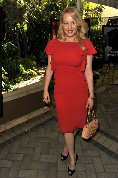Wendi McLendon-Covey wore a ruffled red cocktail dress to the AFI Awards.
