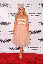 Miranda Lambert's ballet pink strapless dress looked lovely on the country star.