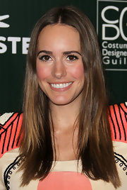 Louise Roe wore her brown tresses center-parted and straight to the Costume Designers Guild Awards.