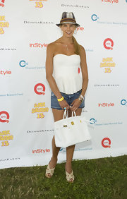Beth Stern paired her summer getup with a white Birkin bag.