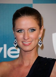Nicky Hilton wore metallic silver and medium-gray eyeshadow at a Golden Globes after party.