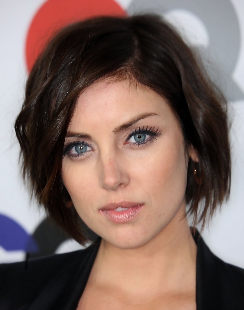 Jessica Stroup Hollywood S Best Bob Hairstyles Stylebistro