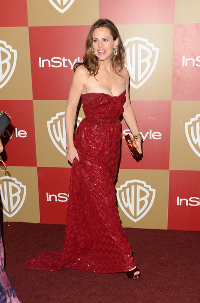 More Pics of Jennifer Garner Long Curls (2 of 10) - Long Curls Lookbook - StyleBistro