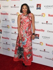 Alicia Quarles attended the Woman's Day Red Dress Awards wearing a sleeveless gown featuring Oriental-inspired floral embroidery.
