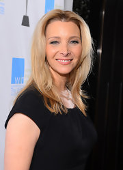 Lisa Kudrow styled her hair in a center part and high-volume layers for the Women's Image Network Awards.