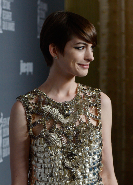 More Pics of Anne Hathaway Short Cut With Bangs (2 of 25) - Anne Hathaway Lookbook - StyleBistro