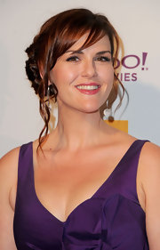 Sara Rue wore her gorgeous shiny tresses in a fun updo with pretty face-framing curls at the 15th Annual Hollywood Film Awards gala.