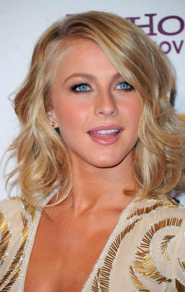 Julianne Hough Shoulder Length Hair Straight More Pics of Ju...