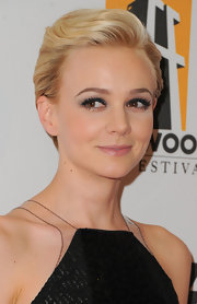 Carey Mulligan wore a dressed up version of her cute pixie style at the 15th Annual Hollywood Film Awards gala.