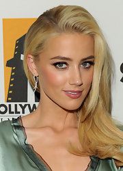 Amber Heard wore a lovely shimmery combination of shadows and liner at the 15th Annual Hollywood Film Awards gala.