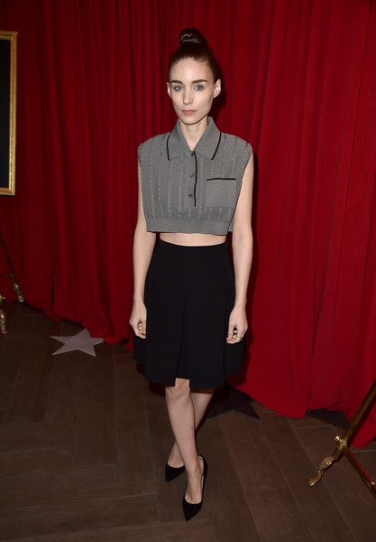 Rooney Mara stayed cool and trendy in a gray crop-top at the 2016 AFI Awards.