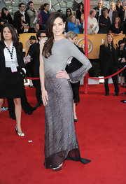 Michelle dons a brilliant one sleeve dress with intricate beading at the SAG awards.