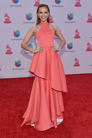 From the gorgeous coral hue to the perfectly sweet layered silhouette, Leslie Grace's halter gown at the Latin Grammy Awards totally had us swooning!