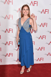 Amy Adams chose a blue and silver Roland Mouret dress with a deep-V neckline and a draped skirt for her AFI Awards red carpet look.