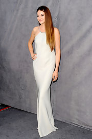 Shailene Woodley looked positively divine in a gray minimal evening dress at for the Critics' Choice Awards.