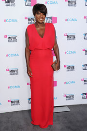 Viola Davis showed off her new 'do in this hot magenta dress at the Critics' Choice Awards.