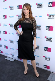Judy Greer topped off her lacy frock with black leather pumps.