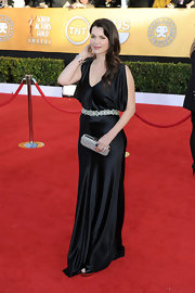 Julia looked glamorous in a shining black satin evening dress at the SAG Awards.