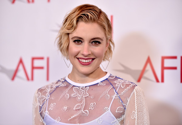 Greta Gerwig went the vintage-glam route with this finger wave at the 2018 AFI Awards.