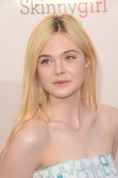 More Pics of Elle Fanning Bright Eyeshadow (7 of 28) - Elle Fanning Lookbook - StyleBistro