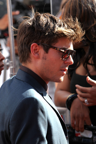 More Pics of Zac Efron Men's Suit (1 of 24) - Zac Efron Lookbook - StyleBistro