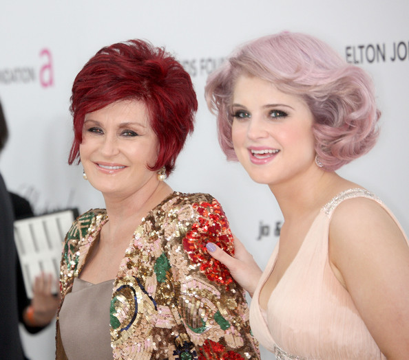 More Pics of Sharon Osbourne Layered Razor Cut (1 of 4) - Sharon Osbourne Lookbook - StyleBistro [hair,hairstyle,lady,red,skin,beauty,eyebrow,lip,chin,makeover,arrivals,sharon osbourne,kelly osbourne,west hollywood,california,pacific design center,elton john aids foundation,oscar viewing party,elton john aids foundation oscar party]
