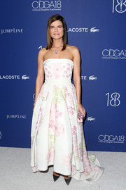 Betsy Brandt brought a heavy dose of sweetness to the Costume Designers Guild Awards with this strapless floral gown by Kayat.