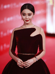 Fan Bingbing paired a diamond watch with a princess gown for a breathtaking look during the Shanghai International Film Festival opening ceremony.