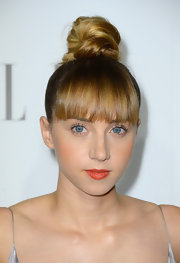 Zoe made a statement with this heightening ballerina bun at the Women in Hollywood celebration.