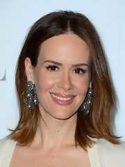 Sarah Paulson center-parted her hair for this simple chic 'do at the Women in Hollywood Celebration.