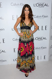 Samantha went a fun route at the Women in Hollywood celebration wearing this colorful maxi-dress.