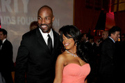 Niecy Nash Gets Down in a Salmon Gown at Elton's Oscar Party