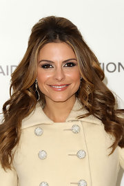 Maria Menounos wore her hair in a big, sexy half up, half down hair style featuring spiral curls and face-framing tendrils at the 19th Annual Elton John AIDS Foundation's Oscar viewing party.