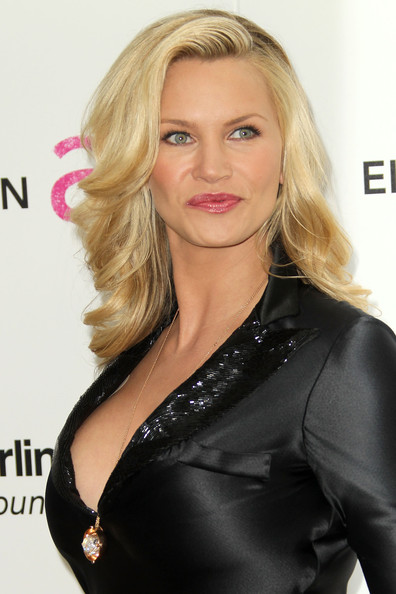More Pics of Natasha Henstridge Gold Pendant (1 of 1) - Gold Pendant Lookbook - StyleBistro